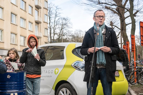 Counsellor Filip Watteeuw addresses Ghent Car-Sharing users. Photo copyright: Christophe vde